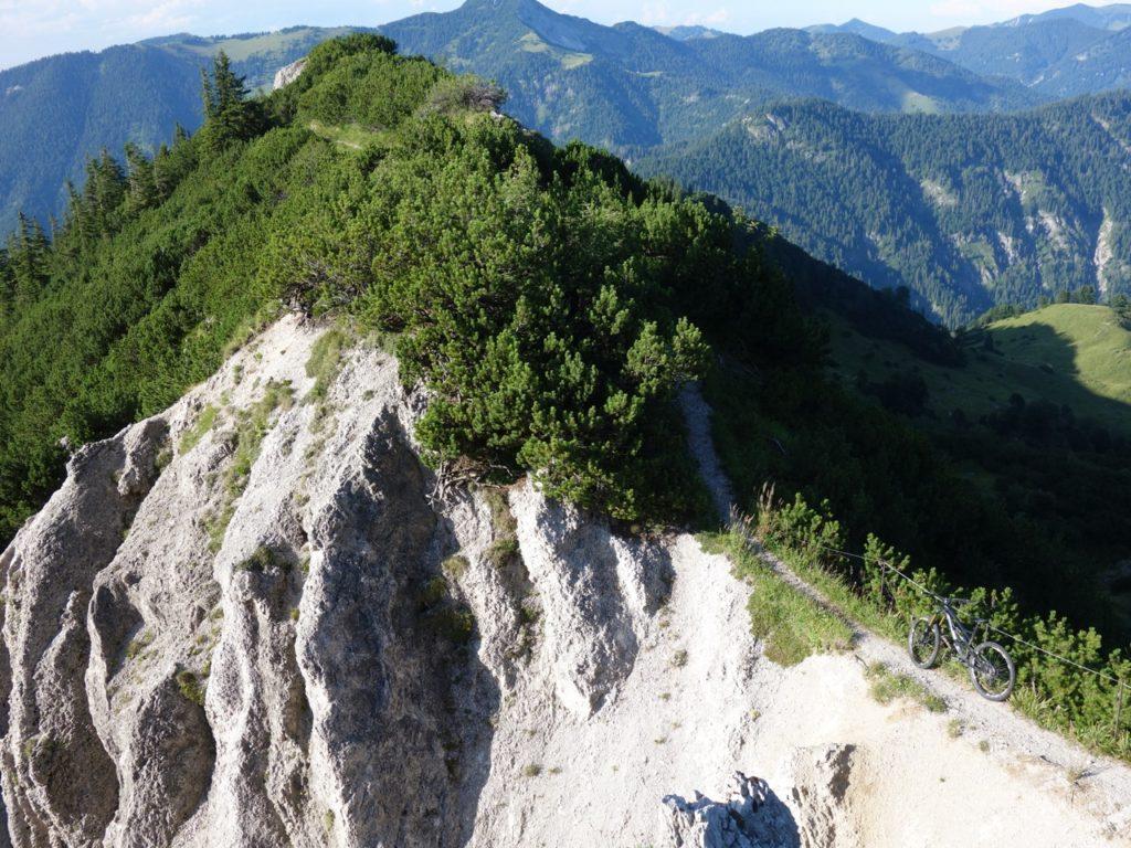 beginnt nach etwas Auf und Ab der Trail nach Siebenhütten.