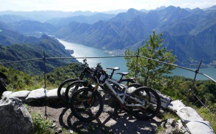 beginnt der Trail direkt an der phantastischen Aussichtsplattform des Monte Stino.