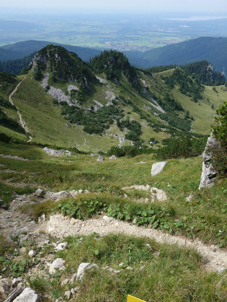startet ein anspruchsvoller Trail direkt unter der Benediktenwand...